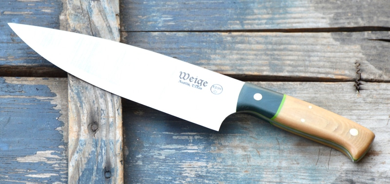 Custom chef in S30V stainless steel. Bone linen handle w/ dark green G10 bolster and neon green liner.